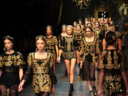 Baroque style, baroque clothing, fall fashion, affordable baroque, gold baroque, jacquard fashion