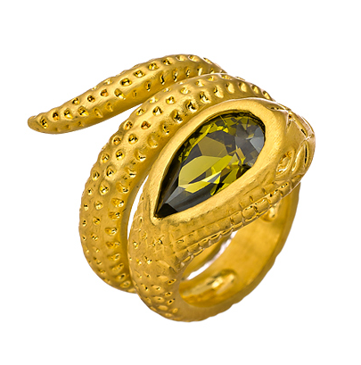 snake jewelry, jewelry trend, fashionable snake jewelry, bvlgari snake collection, bvlgari serpentine collection, serpentine jewelry, snake inspired jewelry, jewelry gifts, max and chloe, seraphina snake ring, seraphina gold snake ring, gold snake ring, fashionable snake ring, fashionable ring