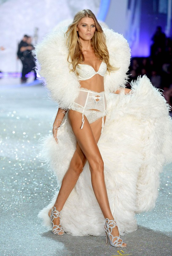 Maryna-Linchuk, candice swanepoel, victoria secret fashion show, million dollar bra, 2013 victoria secret fashion show, victoria secret angel, most beautiful models, best fashion blog, top fashion blog, best fashion blogger