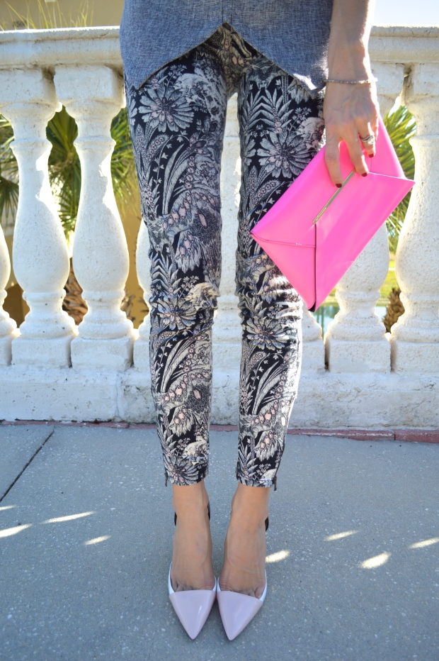 pink and gray, how to wear pink and gray, spring look, gray tweed, hot pink clutch, flower pants, pink pumps