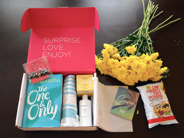 popsugar, pop sugar must have box, emily griffin one & only, turkish towel, sachajuan body lotion