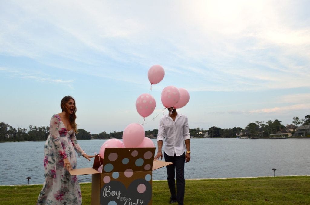 gender reveal party, gender reveal party ideas, balloon box idea, ananda saba, super fashionable blog