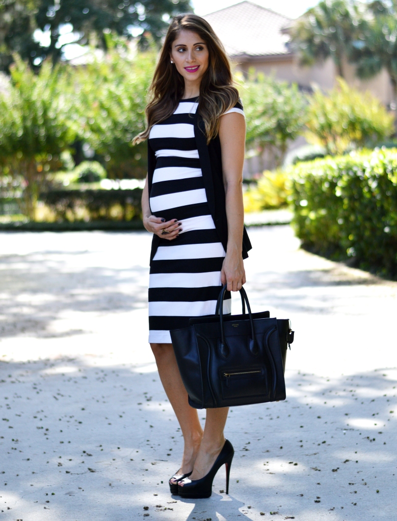 maternity style, pregnant style, fashionable pregnant woman, striped black and white dress, black and white dress, ananda saba, super fashionable blog, superfashionable