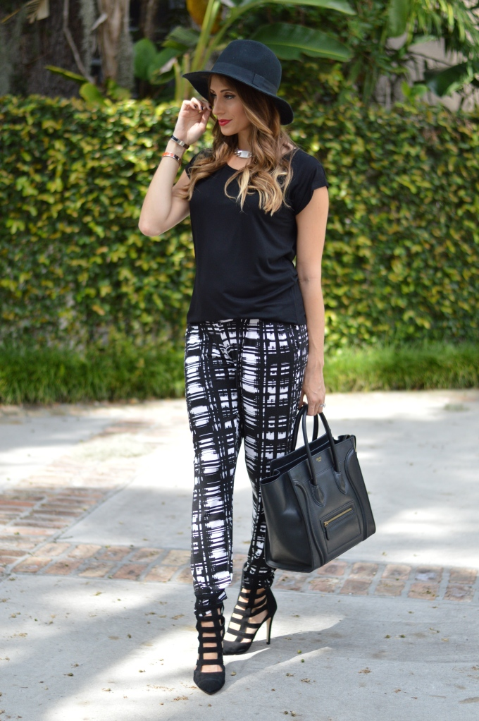 super fashionable, ananda saba, asos maternity, graphic pants, carmen steffens pump