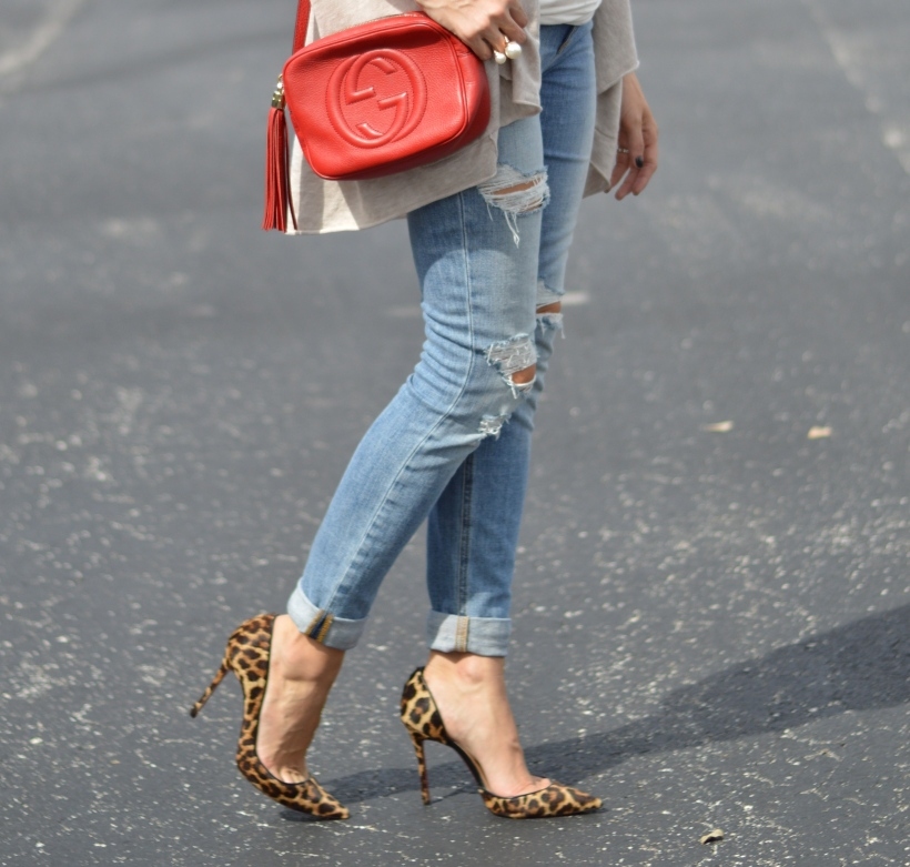 Ripped jeans, maternity jeans, how to wear maternity clothes, joes maternity jeans, christian louboutin leopard print, gucci soho red bag, ananda saba, super fashionable