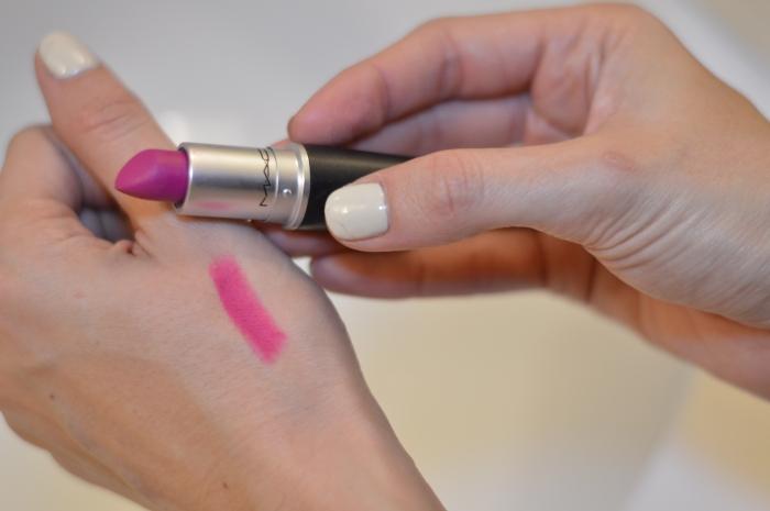 mac flat out fabulous lipstick, flat out fabulous lipstick, best mac lipstick color, purple lipstick, best purple lipstick, super fashionable, ananda saba, best lipstick for fall, best purple mac lipstick