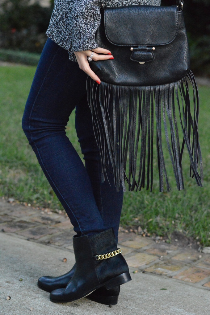 seraphine maternity, maternity fashion, pregnancy style, stylish pregnant women, super fashionable, ananda saba, nasty gal fringe bag, fringe purses, chain booties